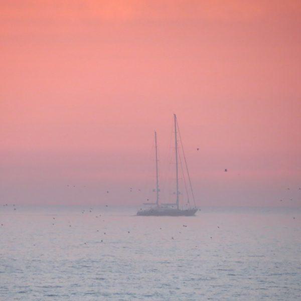 boat pinksky